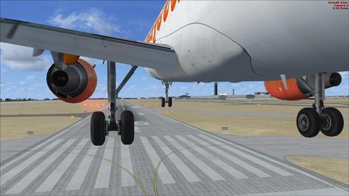 Airbus_A320-200_EasyJet_33
