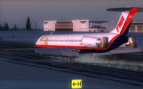 FSND_McDonell-Douglas_MD-83_FSX_33