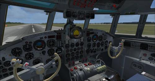 Ilyushin_Il-18_FSX_44